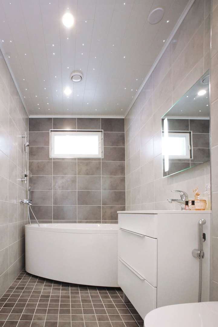 Aina - kylpyhuone ammella